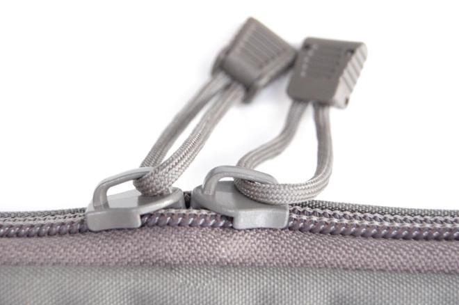 3X_Zipper_Detail_LR